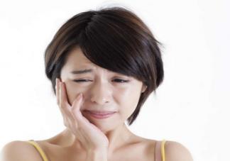 复发性口腔溃疡有办法根治吗 多久没愈合要看医生