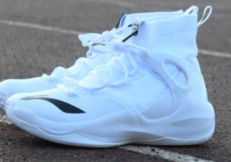 篮球鞋除臭最有效的方法是什么 篮球鞋用什么清洗会比较好