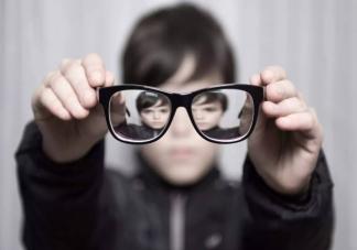 中小学学生半年近视率为什么增加速度快 近视率增长过快的原因