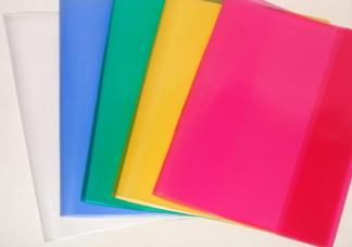 我国每学期用掉超19.4亿张塑料书皮是真的吗 塑料书皮真的有毒吗