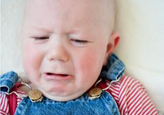 孩子腹泻脱水喝什么补水 宝宝发生腹泻父母要怎么做