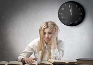 不同时间点入睡身体有什么不一样的变化 9个改善睡眠的小建议