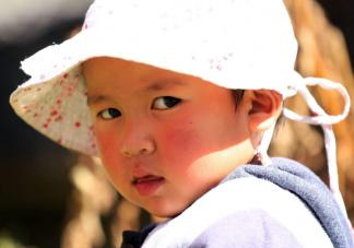 为什么宝宝一到冬天就变丑了 冬天怎么做好宝宝皮肤保湿护理