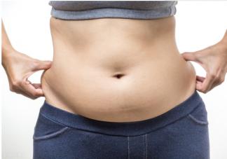 肚子一直圆鼓鼓的内脏脂肪要怎么减 导致内脏脂肪堆积的原因