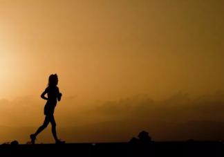 夜跑之后会不会影响睡觉质量 夜跑后要补充营养吗