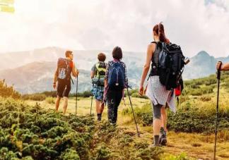 爬山耳鸣是什么原因引起的 爬山出现耳鸣怎么办