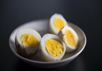 鸡蛋黄适合用来给孩子补铁吗 宝宝补铁吃什么辅食