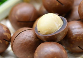 为什么夏威夷果吃起来有一股奶油味 夏威夷果的口子是怎么加工出来的