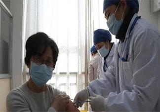 接种完新冠疫苗后是否可以洗澡 新冠疫苗接种注意事项大全
