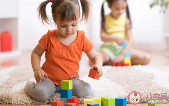 宝宝幼儿园不合群怎么办 让孩子成社交达人的小技巧