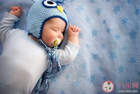 新生儿春捂要穿的厚一点吗 新生儿春捂的原则