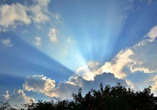 多云天气紫外线更强吗 紫外线对皮肤的伤害有哪些
