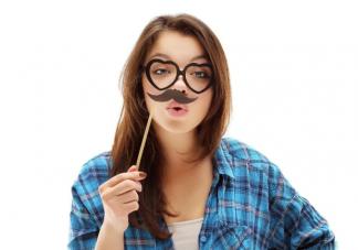 女生唇毛多是什么原因 唇毛会不会越刮越多