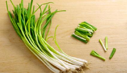 全国多地菜市场掉色香葱怎么回事 掉色香葱有哪些危害