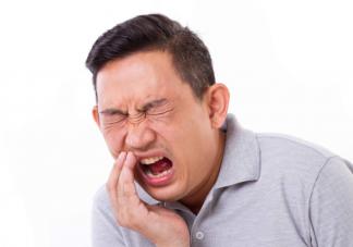 一坐飞机就牙疼是怎么回事 拔牙后不能坐飞机吗