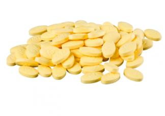 男子每天8颗维生素吃出肝衰竭 维生素吃多了容易中毒吗