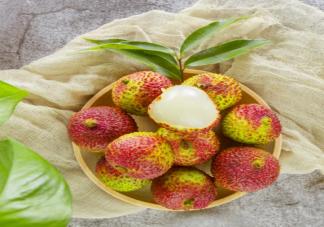 荔枝吃多了为什么会出现低血糖 吃荔枝的注意事项有哪些