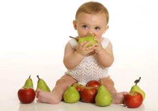 第一次给孩子吃水果吃什么最好 哪些水果宝宝要慎吃