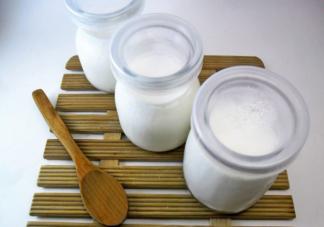 牛奶带袋煮容易铝中毒吗 牛奶加热后营养会不会流失