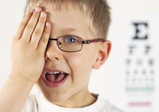 被认定有效的视力防控方法有哪些 假期小学生视力如何保护
