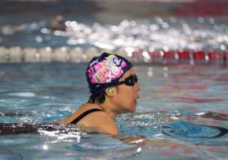 经常游泳会有哪些运动损伤 夏季游泳要准备好哪些装备