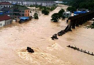 洪水接触的一切食物都要丢弃吗 暴雨灾后生水能不能喝