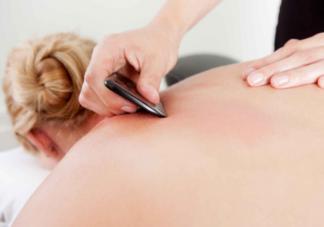 刮痧能够治疗中暑吗 夏季刮痧有什么养生功效