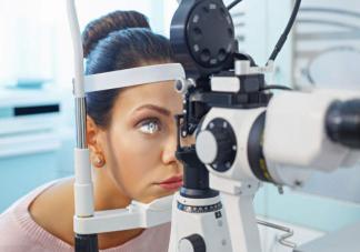 产妇高度近视不能顺产吗 产妇高度近视生产要注意什么