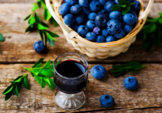 蓝莓泡酒怎么制作 蓝莓泡酒有什么养生功效