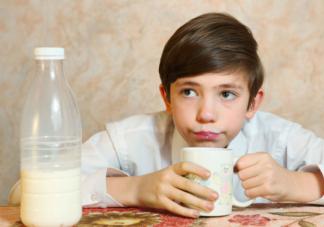 多喝牛奶能变聪明吗 喝牛奶都有什么禁忌