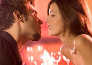 接吻时会有哪些生理反应 接吻时为什么会习惯闭眼