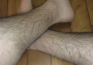 男人体毛多到底有什么好处 腿毛多少和什么有关