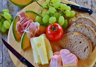 常见食物发霉处理方式 怎样延长食物的保鲜时间