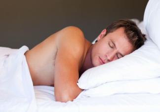 裸睡能让人睡得更好吗 裸睡如何做好防护措施