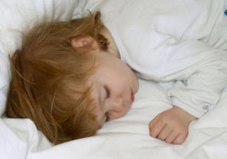 晚上叫醒孩子上厕所会影响睡眠吗 想让宝宝不起夜家长需要注意什么