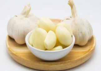 经常吃大蒜对身体有什么好处 吃大蒜有哪些注意事项