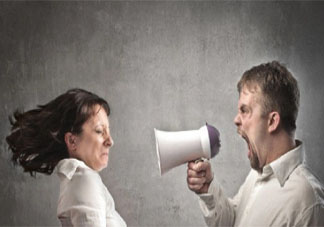 为何有时候对家人不如对外人态度好 对家人该怎样控制自己的情绪
