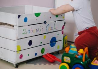 宝宝乱扔东西是调皮吗 儿童空间敏感期怎么引导
